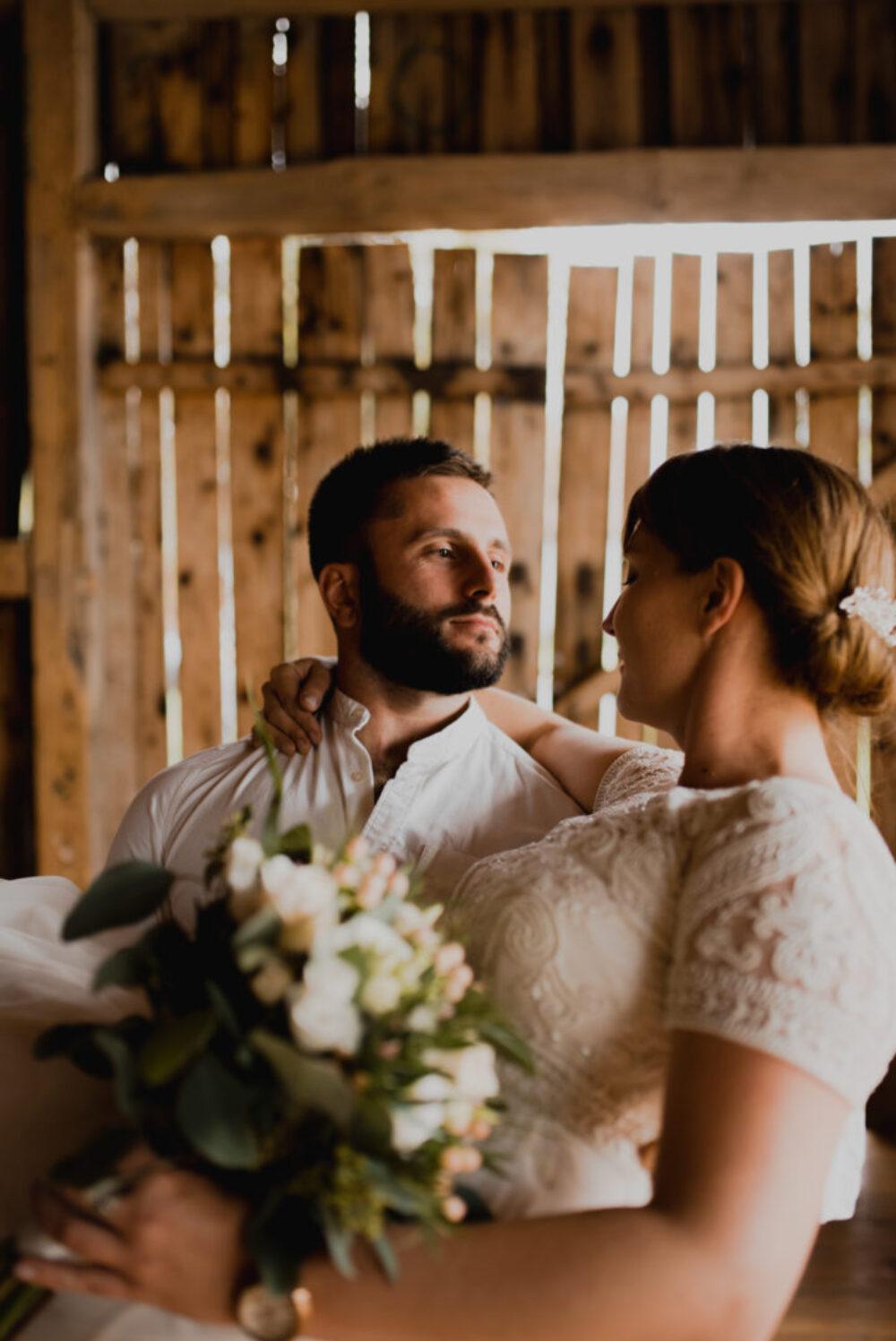 Justyna i Łukasz – Rustykalny ślub w stodole Kawkowo 21